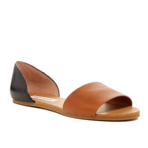 Two toned sandals by Steve Madden.